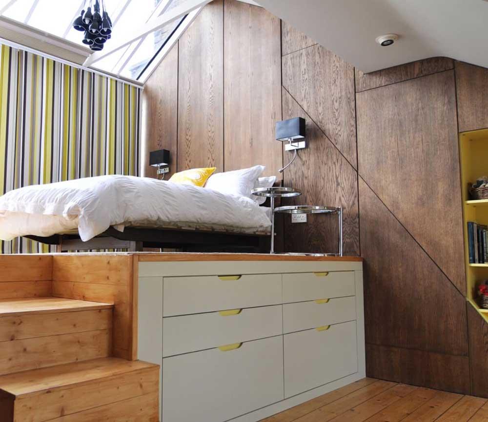 تختخواب در نیم طبقه